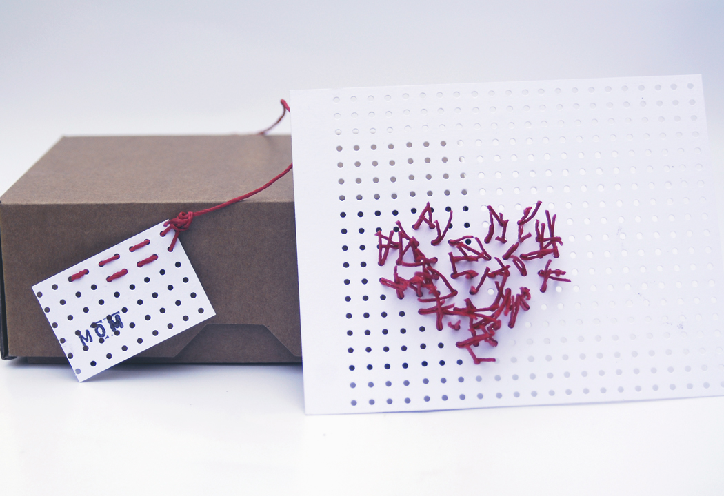 PaperPhine: Heart Card with Paper String