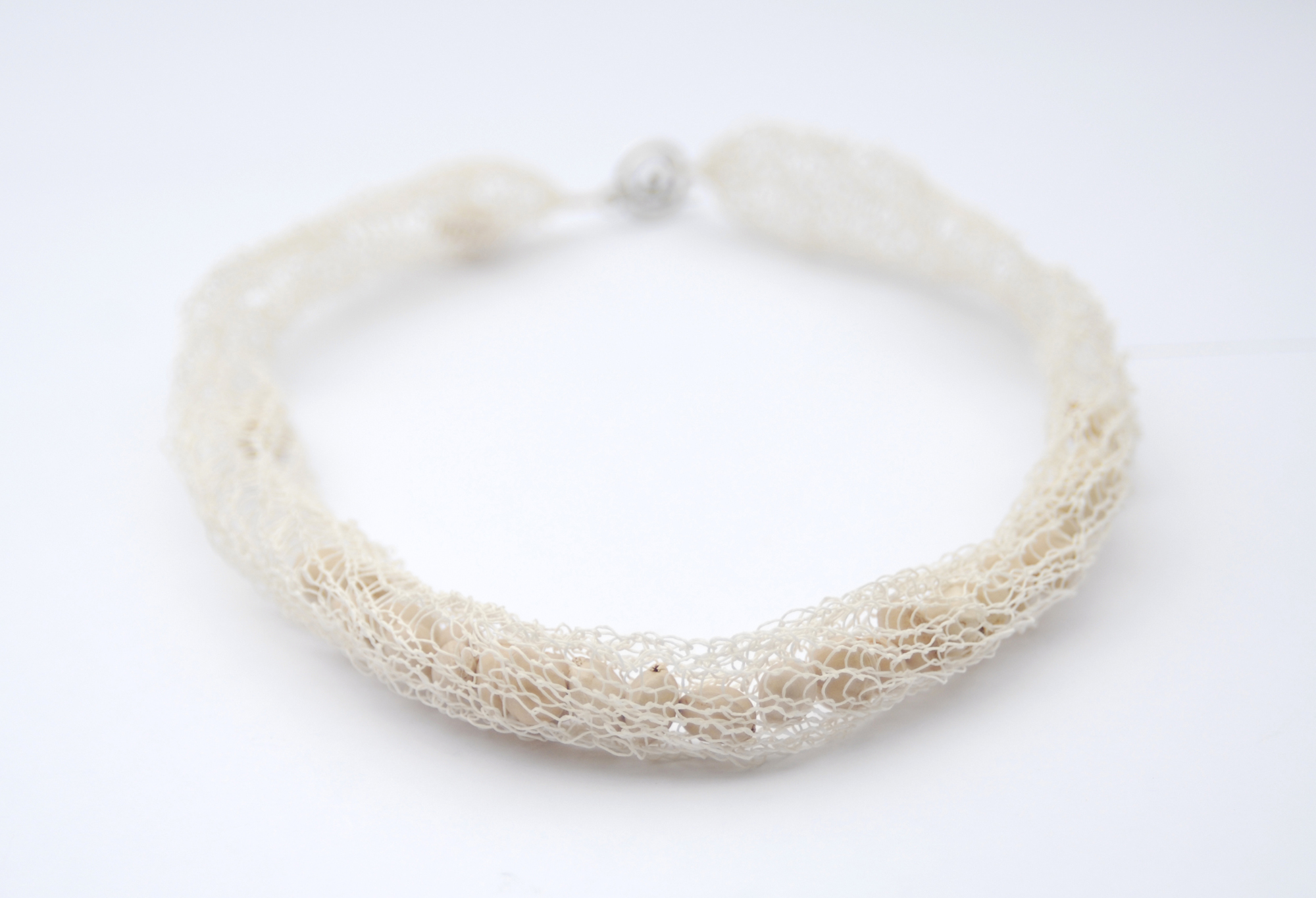 PaperPhine: Knitted Paper Yarn Necklace in White