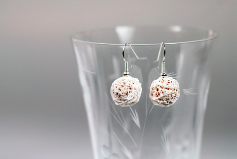 Made by PaperPhine: White Paper Yarn Earrings