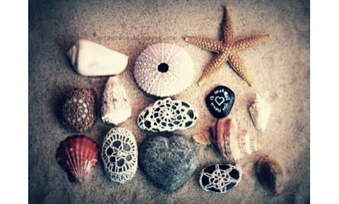 PaperPhine introduces: Crochet-Covered Stones by Giuliana Primavera / Crochet in Finest Paper Yarn
